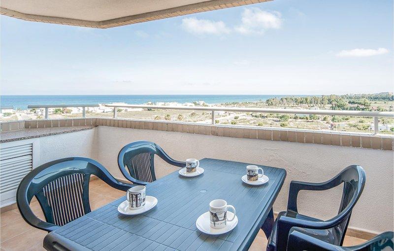 Awesome home in La Torre de la Sal with 2 Bedrooms (EBA040), alquiler de vacaciones en Cabanes