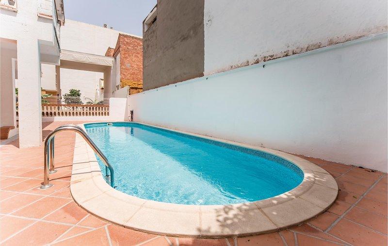 Beautiful home in El Grau de Moncofa with 4 Bedrooms (EBA050), holiday rental in Eslida
