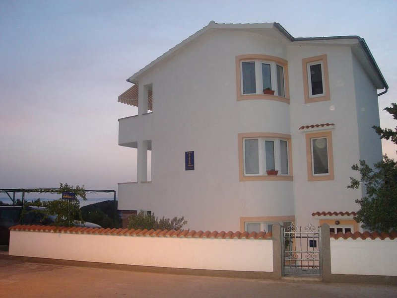 One bedroom apartment Murter (A-16531-a), holiday rental in Betina
