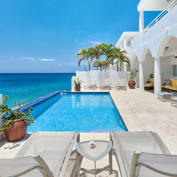 Villa Etoile De Mer | Ocean View - Located in Fabulous Cupecoy with Private Po, holiday rental in Sint Maarten