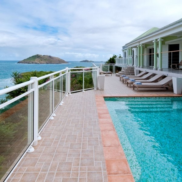 Villa Ushuaia | Ocean Front - Located in Wonderful Flamands with Private Pool, location de vacances à Anse des Flamands