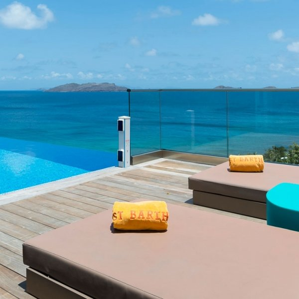 Villa Upside | Ocean View - Located in Exquisite Pointe Milou with Private Poo, casa vacanza a Pointe Milou