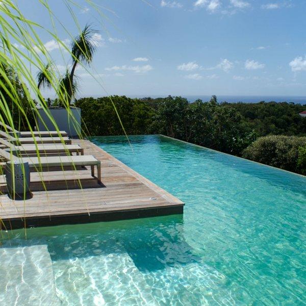 Villa Bellissima | Ocean View - Located in Tropical Gouverneur with Private Po, aluguéis de temporada em Gouverneur