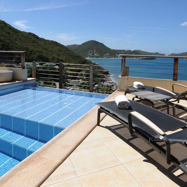 Villa C'est La Vue | Ocean View - Located in Wonderful Pointe Milou with Priva, holiday rental in Pointe Milou