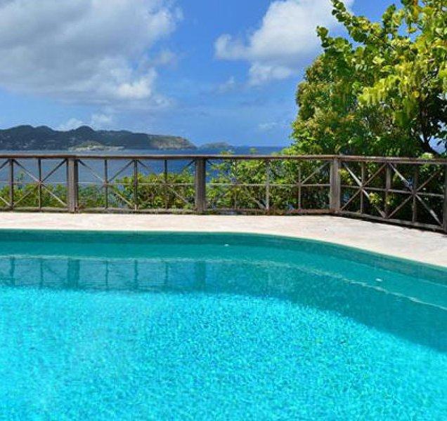 Villa Adage | Ocean Front - Located in Magnificent Pointe Milou with Private Po, location de vacances à Pointe Milou