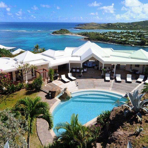 Villa Arrowmarine | Ocean Front - Located in Magnificent Mont Jean with Privat, casa vacanza a Marigot
