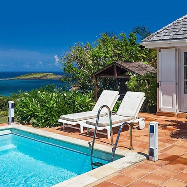 Villa Le Roc | Ocean View - Located in Stunning Petit Cul de Sac with Private P, location de vacances à Petit Cul de Sac