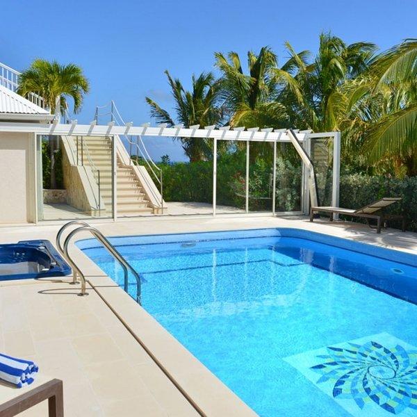 Villa Captain Cook | Ocean View - Located in Stunning Pointe Milou with Privat, location de vacances à Pointe Milou