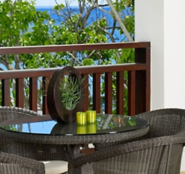 Coral Cove 14 Penthouse - Condo Crowsnest | Beach Front - Located in Beautiful, holiday rental in Paynes Bay
