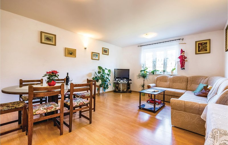 Awesome home in Rab with WiFi and 2 Bedrooms (CKR431), holiday rental in Mundanije