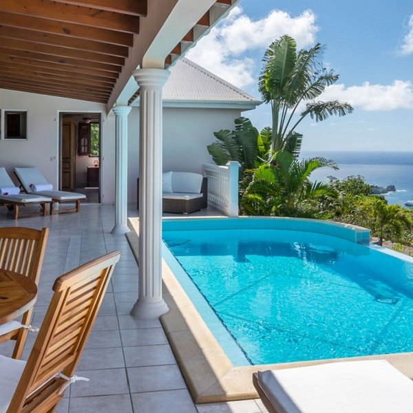 Villa Sunrock | Ocean View - Located in Beautiful Colombier with Private Pool, location de vacances à Anse des Flamands