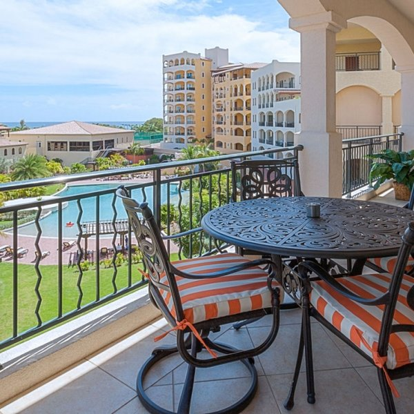 Condo Figueira | Ocean View - Located in Fabulous Porto Cupecoy with House Cle, holiday rental in Sint Maarten