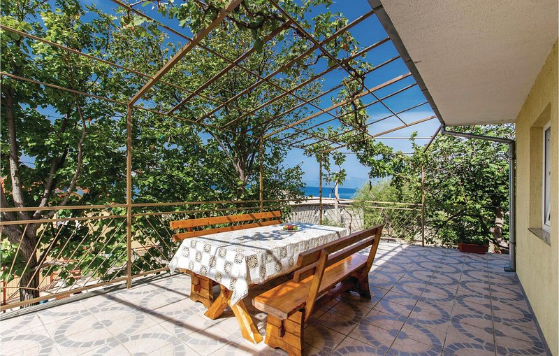 Amazing home in Sveti Juraj with WiFi and 2 Bedrooms (CKV379), location de vacances à Sveti Juraj