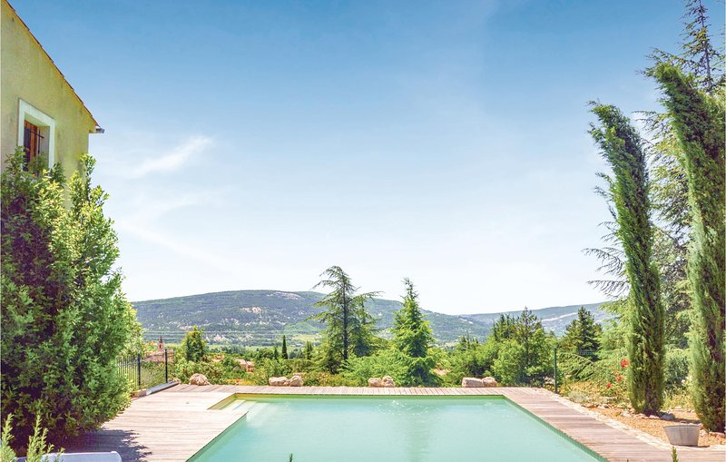 Nice home in St. Etienne Les Orgues with WiFi and 4 Bedrooms (FPA029), holiday rental in Limans