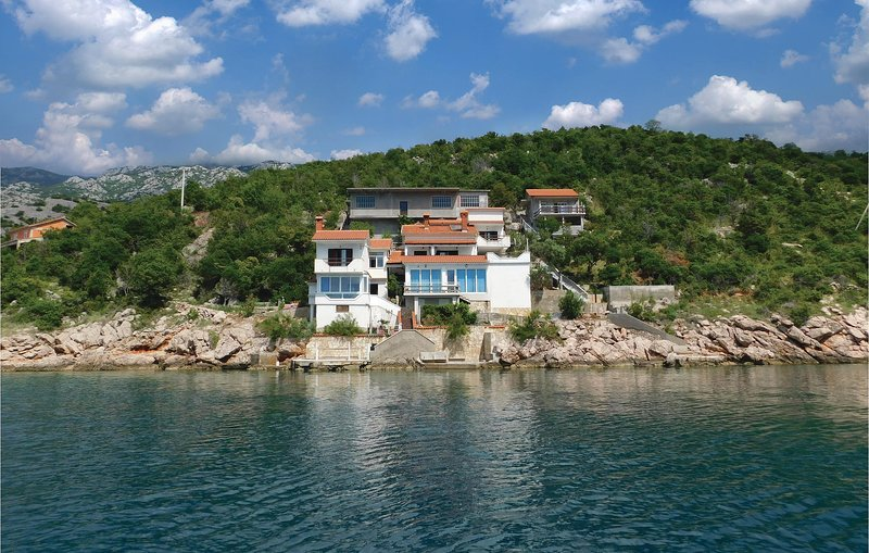 Amazing home in Jablanac with WiFi and 2 Bedrooms (CKV557), holiday rental in Jablanac