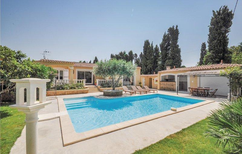 Mooie comfortabele sfeer in de stijl van Provence (FPB149), holiday rental in Salon-de-Provence