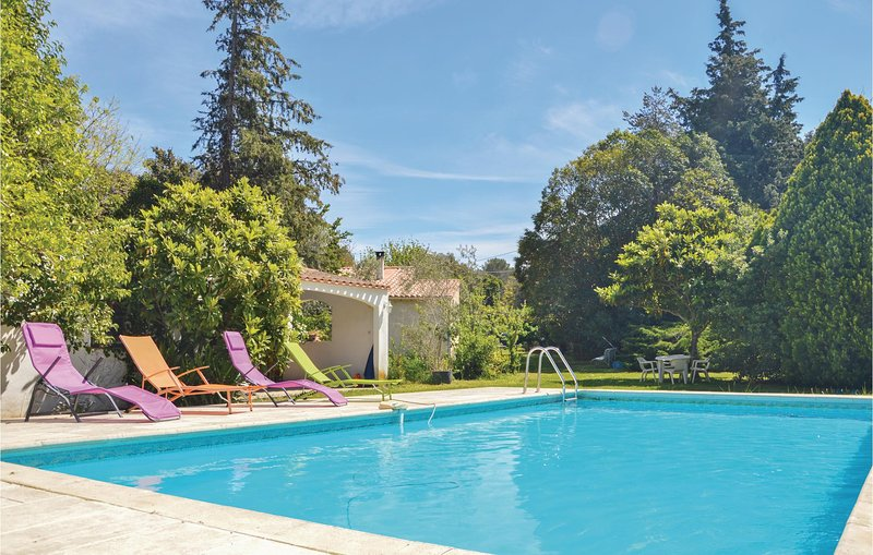 Amazing home in Miramas with WiFi and 2 Bedrooms (FPB295), vacation rental in St Chamas