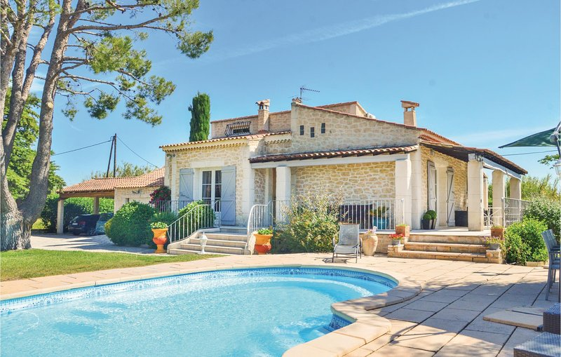 Nice home in Gignac La Nerthe with WiFi and 3 Bedrooms (FPB310), holiday rental in Berre l'Etang