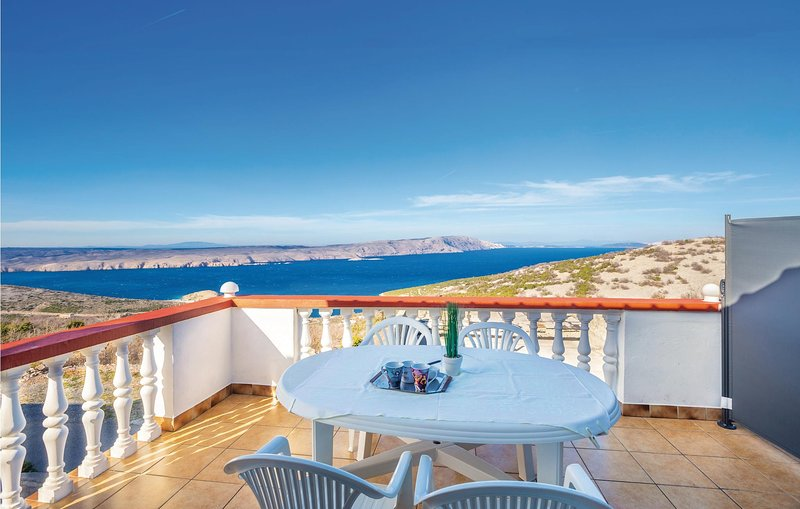 Stunning apartment in Stinica with WiFi and 1 Bedrooms (CKV613), holiday rental in Jablanac