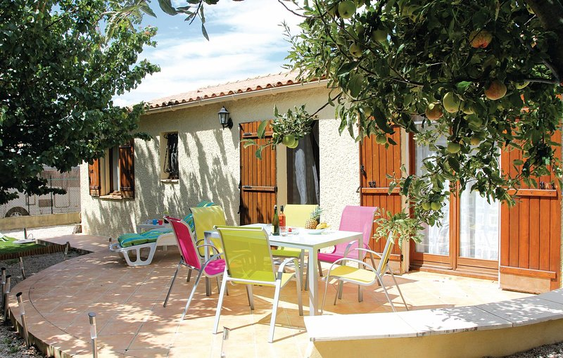 Amazing home in Eyguieres with 3 Bedrooms (FPB237), holiday rental in Senas