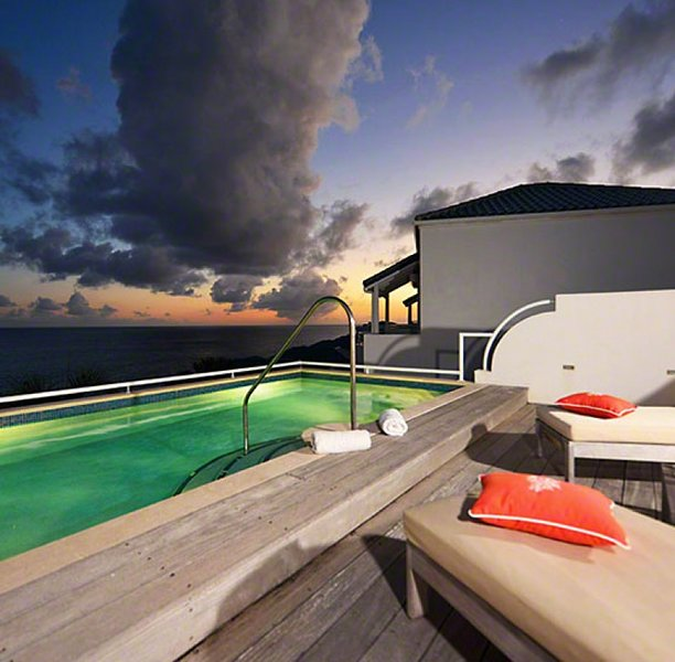 Villa Luna | Beach View - Located in Exquisite Cupecoy with Private Pool, holiday rental in Sint Maarten