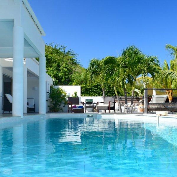 Villa Escapade | Ocean View - Located in Stunning Marigot with Private Pool, Ferienwohnung in Marigot