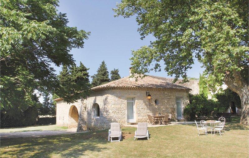 Awesome home in Montboucher sur Jabron with 2 Bedrooms (FPD196), location de vacances à Saint-Gervais-sur-Roubion