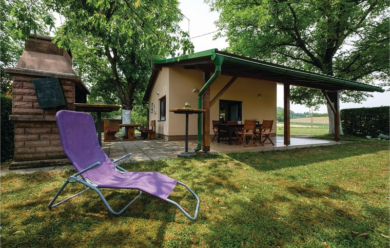 Amazing home in Galovic Selo with WiFi and 0 Bedrooms (CCC014), holiday rental in Bosiljevo