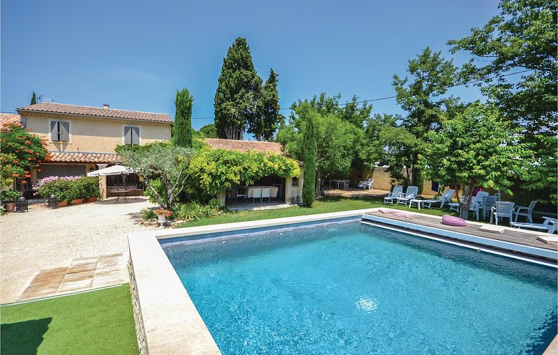 Stunning home in Loriol-Du-Comtat with WiFi and 3 Bedrooms (FPV304), holiday rental in Loriol-du-Comtat