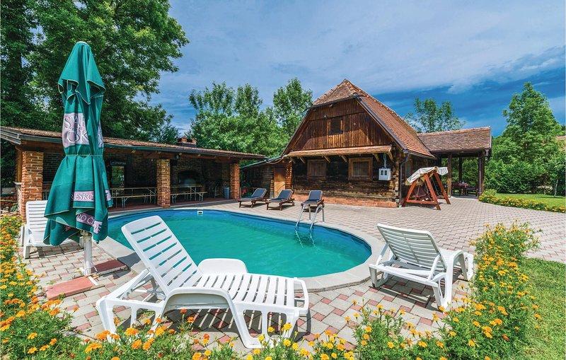 Nice home in Lekenik w/ 2 Bedrooms (CCC108), casa vacanza a Sisak-Moslavina County