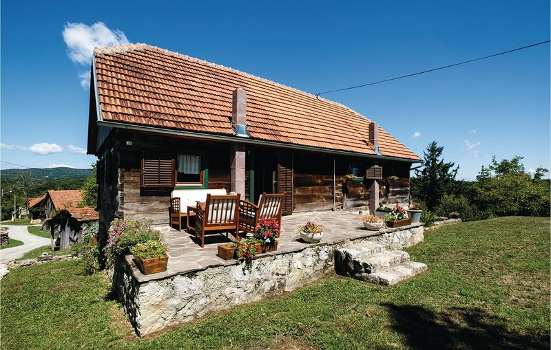 Amazing home in Ozalj with WiFi and 2 Bedrooms (CCC139), holiday rental in Karlovac County