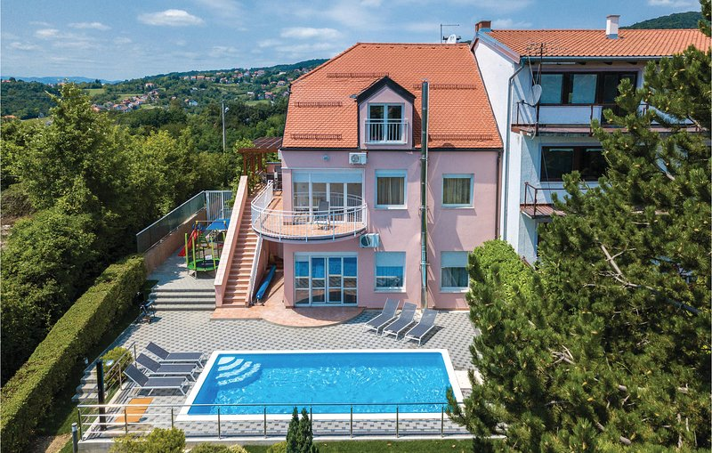 Amazing home in Zagreb with Sauna, WiFi and 6 Bedrooms (CCZ048), vacation rental in Zagreb County