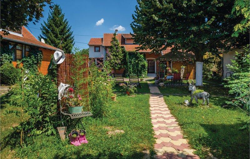Amazing home in Novi Zagreb with WiFi and 0 Bedrooms (CCZ103), casa vacanza a Hrvatski Leskovac