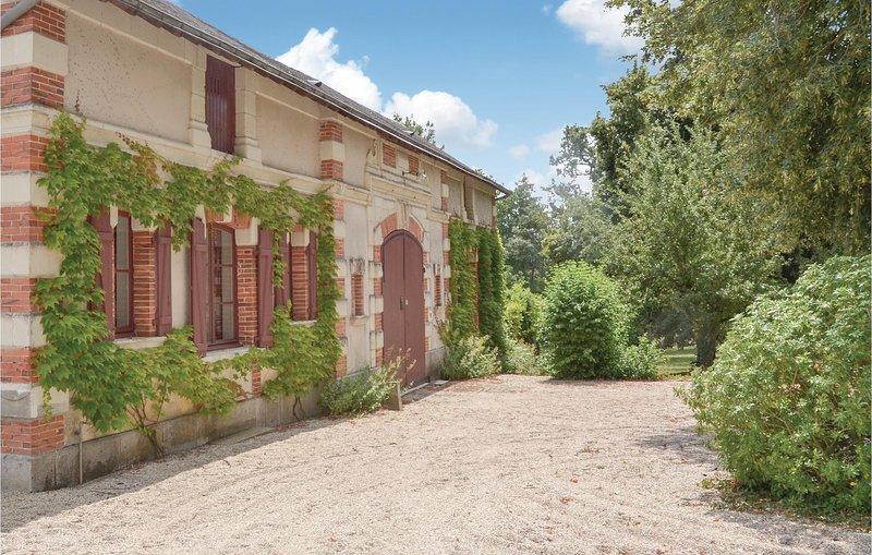 Nice home in Bouére with 3 Bedrooms (FVA025), alquiler vacacional en Contigne