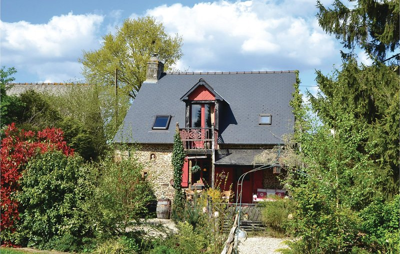 Nice home in St Marie du Bois with 1 Bedrooms (FVA036), vacation rental in Juvigny-sous-Andaine