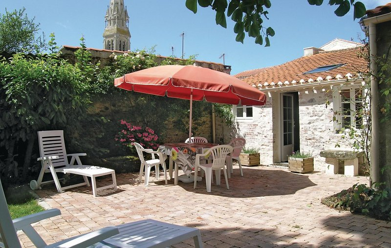 Awesome home in St. Hilaire De Talmo with 2 Bedrooms (FVE096), holiday rental in Poiroux