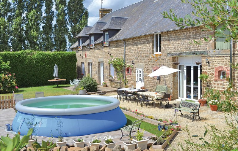 Awesome home in Fougerolles du Plessis with WiFi and 7 Bedrooms (FVA040), holiday rental in Le Teilleul