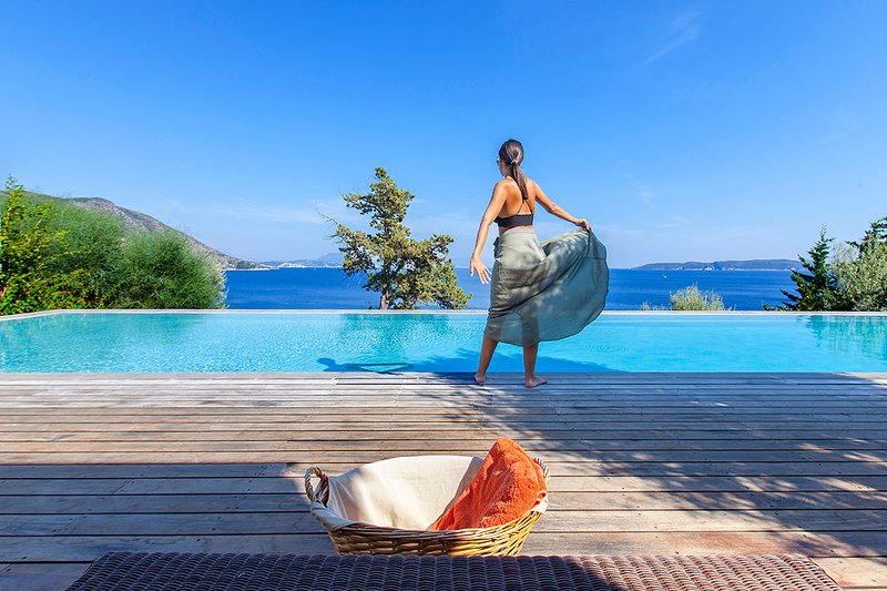 Get 10%Off At Luxury Villa Aurora With Pool,Pontoon & Views For Early July Dates, location de vacances à Apollonii