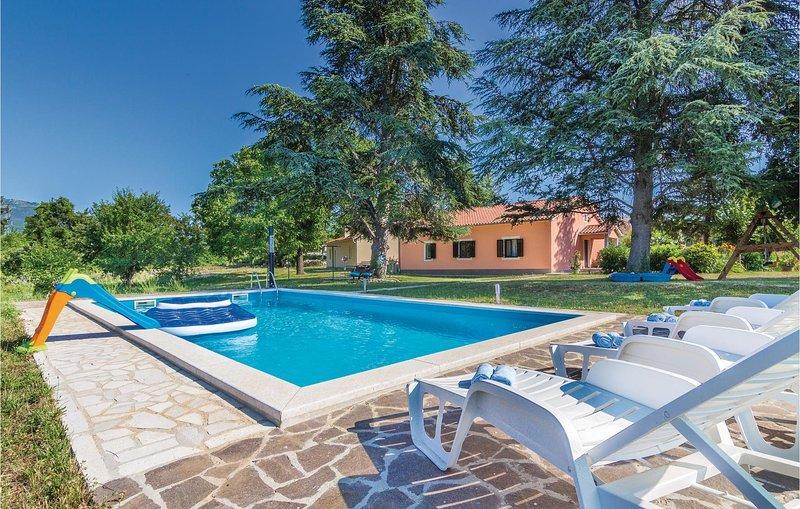 Stunning home in Krsan with WiFi and 4 Bedrooms (CIK077), holiday rental in Basko Polje