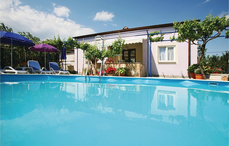 Amazing home in Vinez with WiFi and 3 Bedrooms (CIK308), holiday rental in Vinez