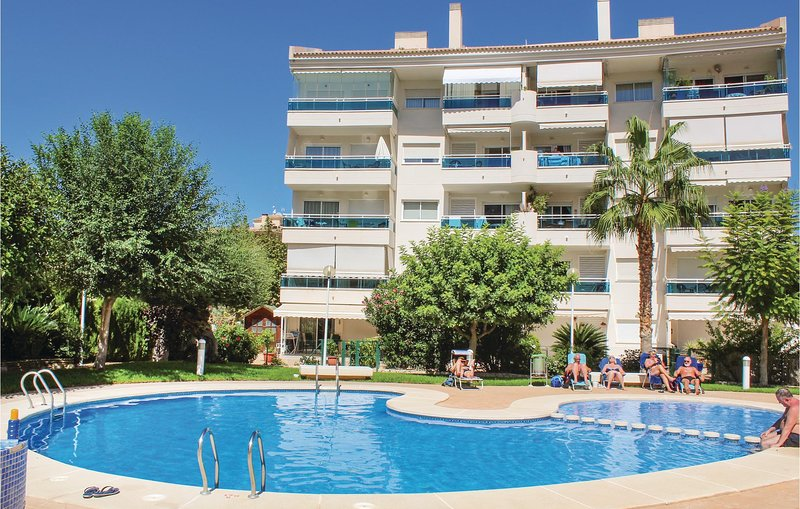 Beautiful home in Alfàz del Pí with WiFi and 3 Bedrooms (EBL024), vacation rental in L'Alfas del Pi