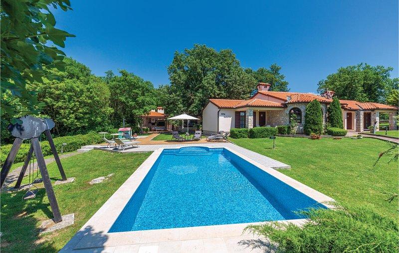 Ontspannen met zicht op de natuur (CIK622), holiday rental in Bratulici
