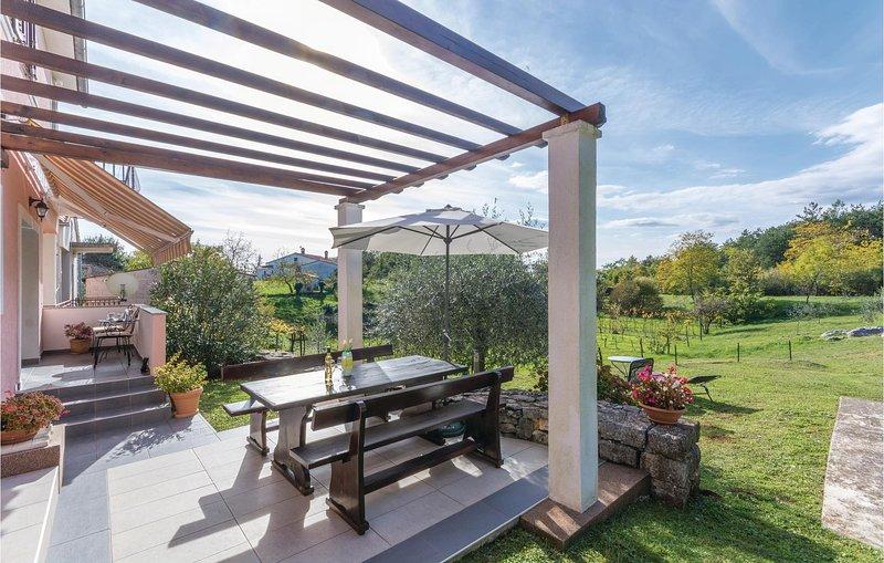 Beautiful home in Labin with WiFi and 2 Bedrooms (CIK594), holiday rental in Sveti Bartol