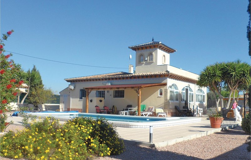 Stunning home in Catral with 3 Bedrooms (EBL067), holiday rental in Hondon de los Frailes