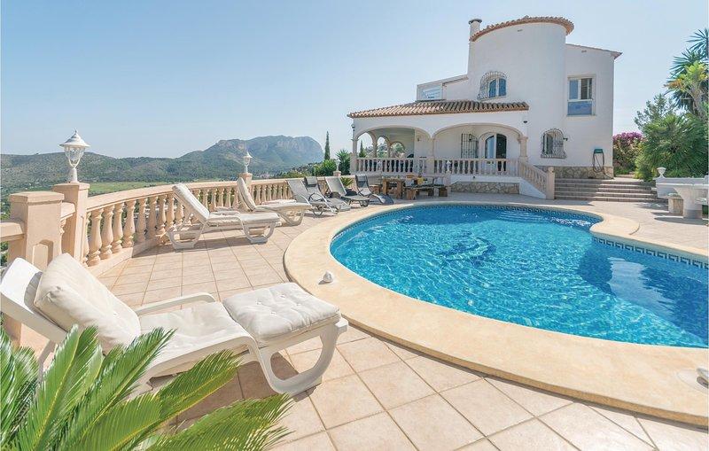 Afgescheiden zomerhuis met whirlpool en uitzicht (EBL333), holiday rental in Pamis