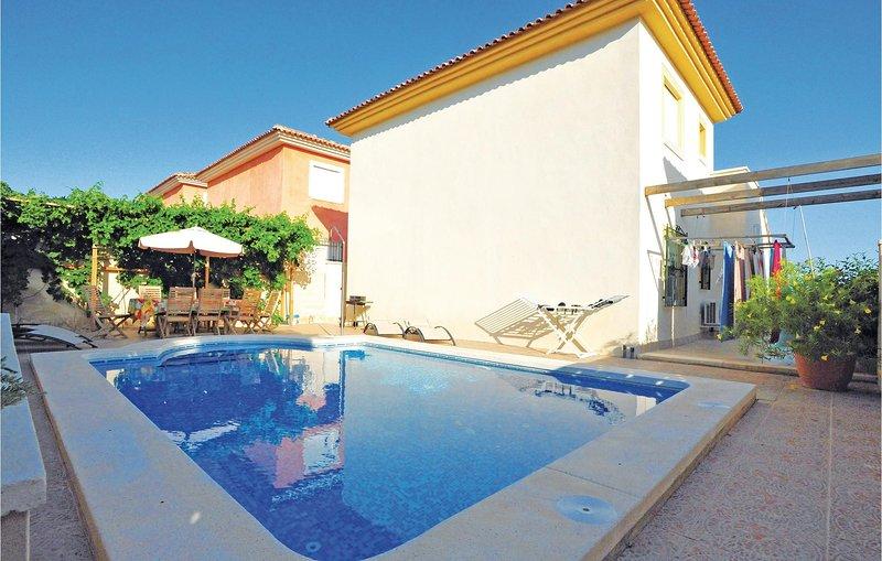 Ruime villa voor een zeer ontspannen vakantie (EBL234), holiday rental in Mutxamel
