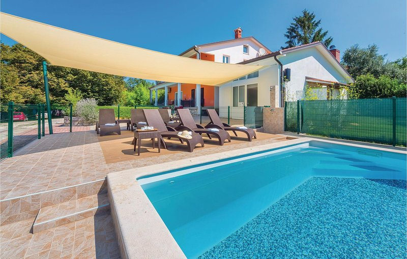Nice home in Nedescina with WiFi and 6 Bedrooms (CIK663), casa vacanza a Sumber