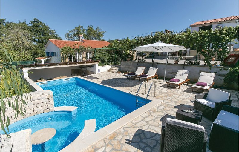 Amazing home in Snasici with WiFi and 3 Bedrooms (CIK803), holiday rental in Kunj