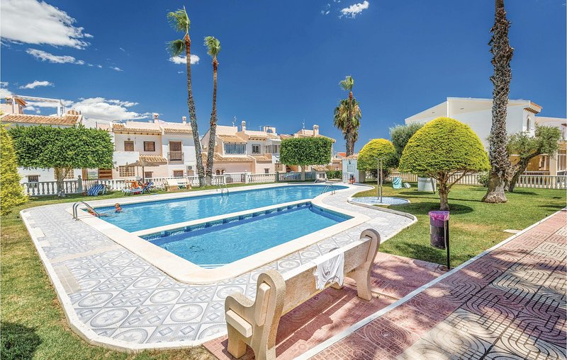 Stunning home in Rojales with 2 Bedrooms (EBL745), holiday rental in Daya Vieja