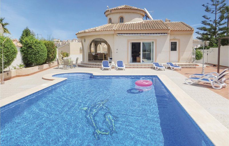 Stunning home in Quesada-Rojales with WiFi and 3 Bedrooms (EBL791), holiday rental in Daya Vieja